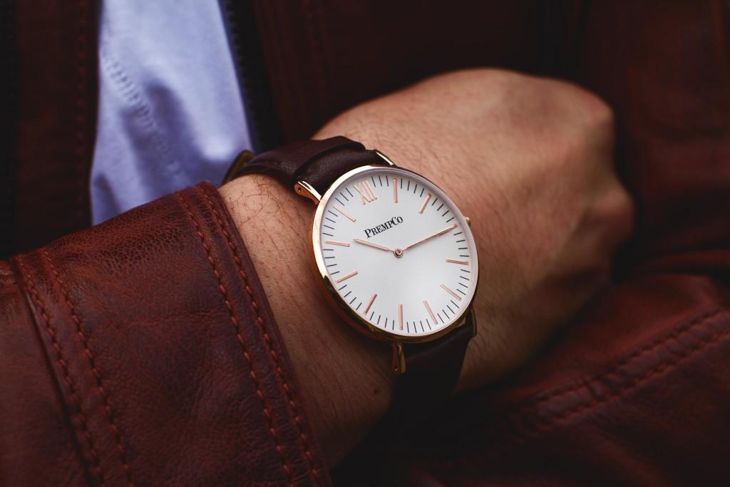 prempco-herren-designer-uhr-nobel-uhr-weiß-braun-mit-lederarmband-Shop-1024x683